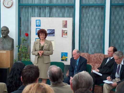 lansare carte Primii fiori şi Ontifonismul autor Gh.A. M. Ciobanu la Biblioteca judeţeană Neamţ