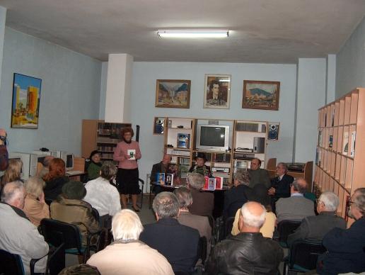 """Biblioteca G. T. Kirileanu Piatra Neamţ, lansare """"O antologie a literaturii nemţene"""""""